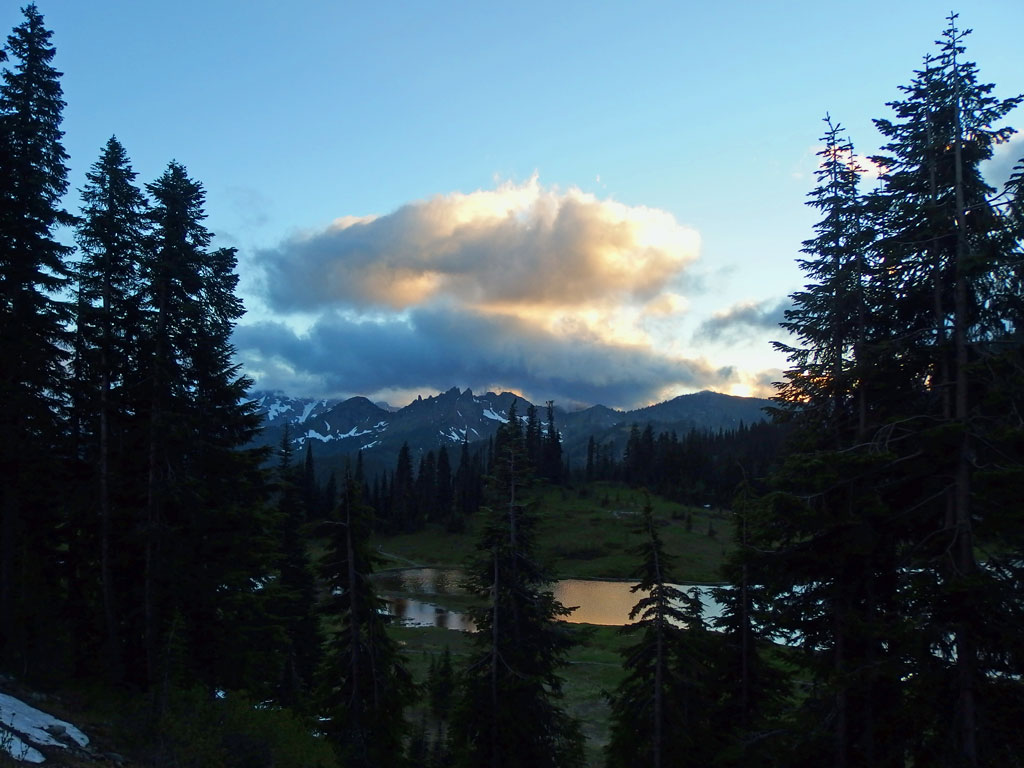 Tipsoo Lake, Chinook Pass