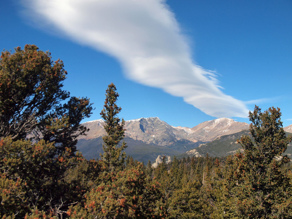 Mountain wave cloud, Mount Ypsilon, Rocky Mountain National Park